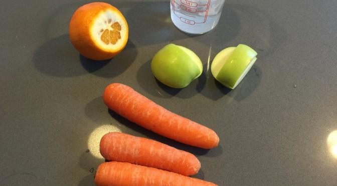 Orange gulerod råkostsalatsmoothie