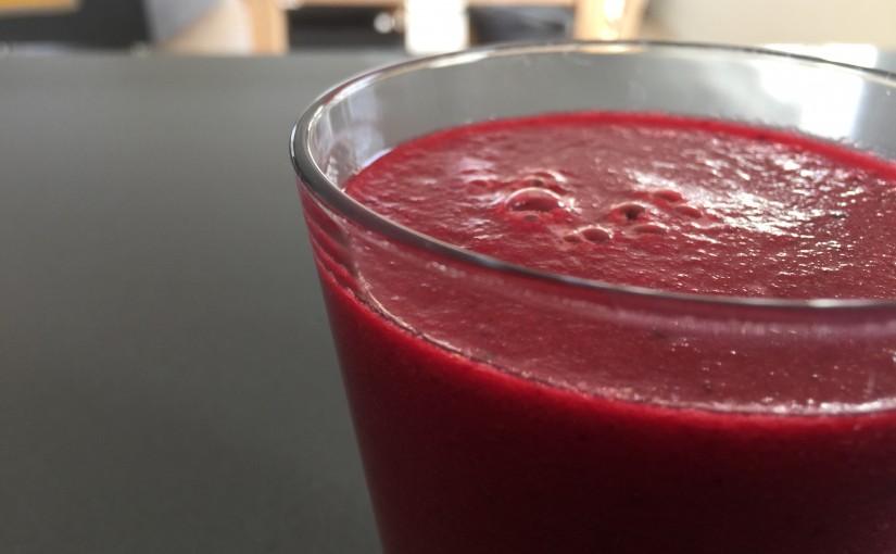 Rødbede/jordbær smoothie