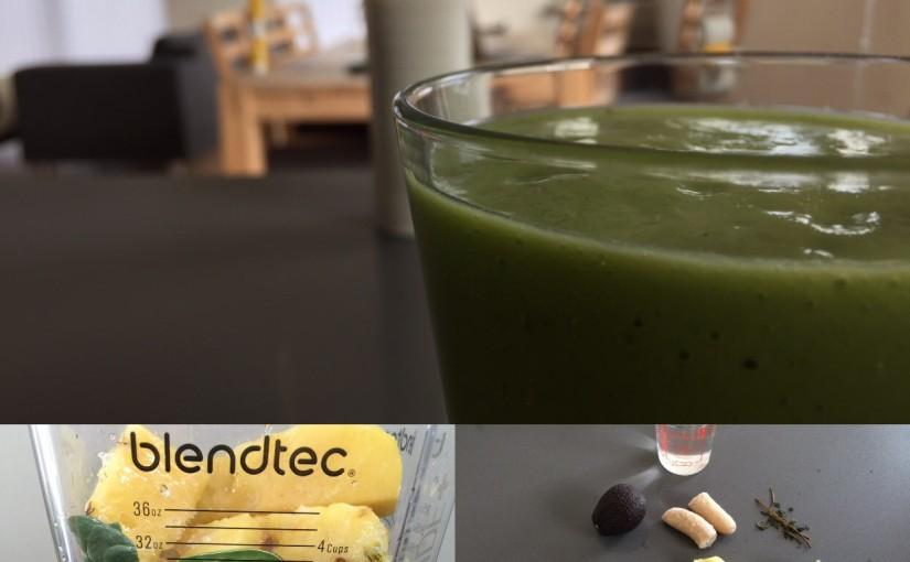 Ananas-avocado smoothie med mynte